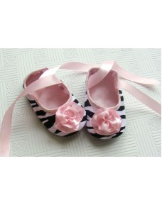 Sweet Infant Shoes with Ribbons